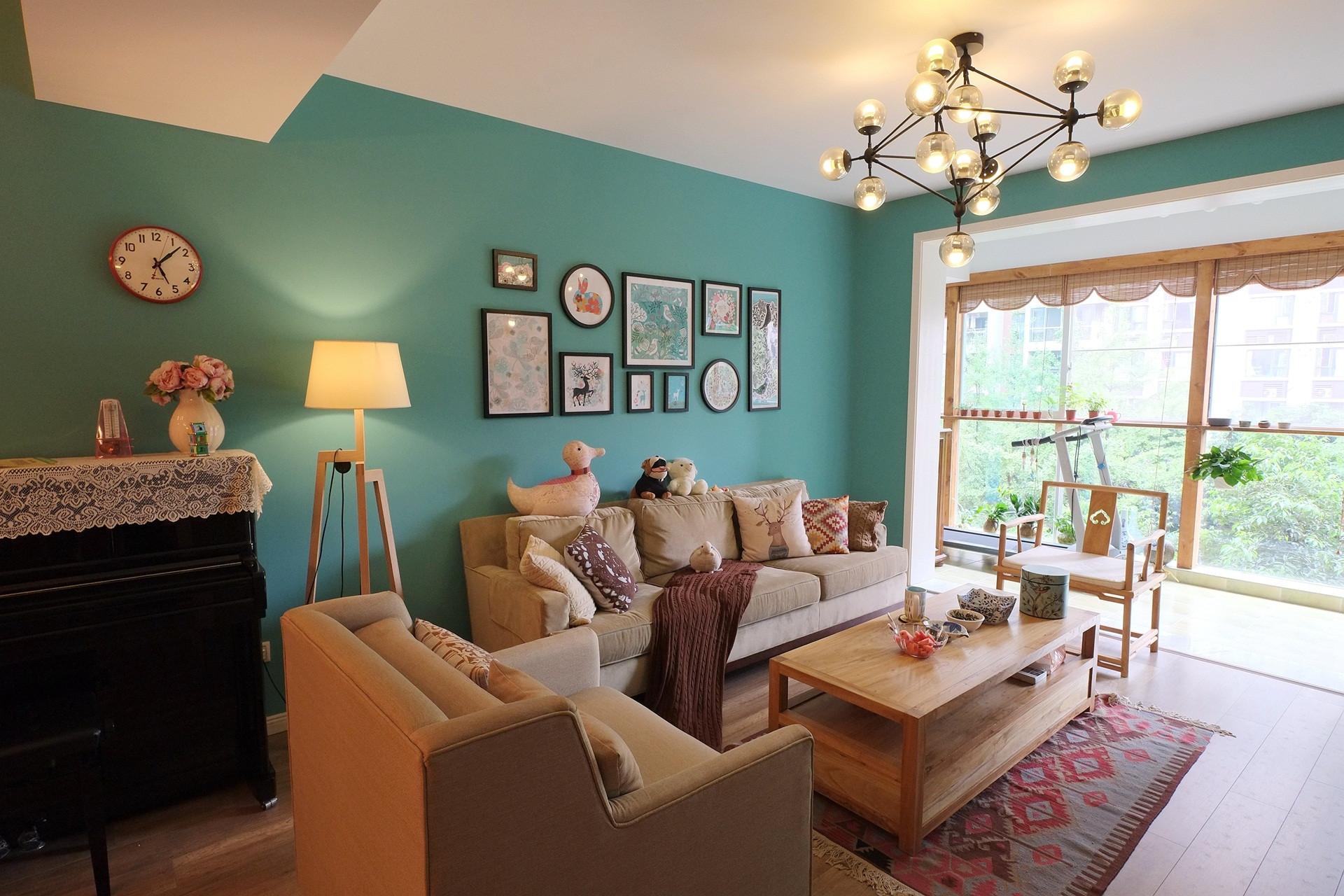 混搭风格三居室装修沙发背景墙图片