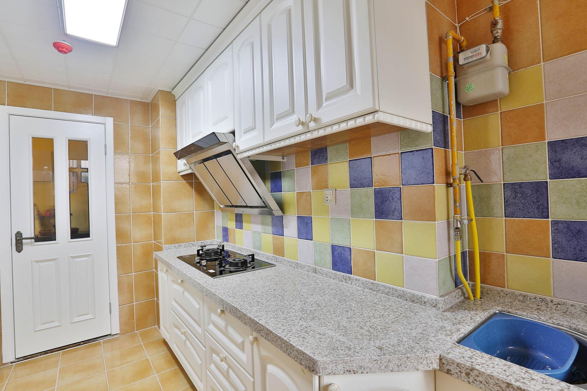 美式乡村风格家厨房装潢图
