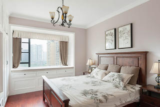 137平美式风格三居装修卧室搭配图