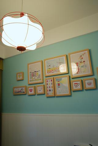 80平混搭二居之家照片墙布置