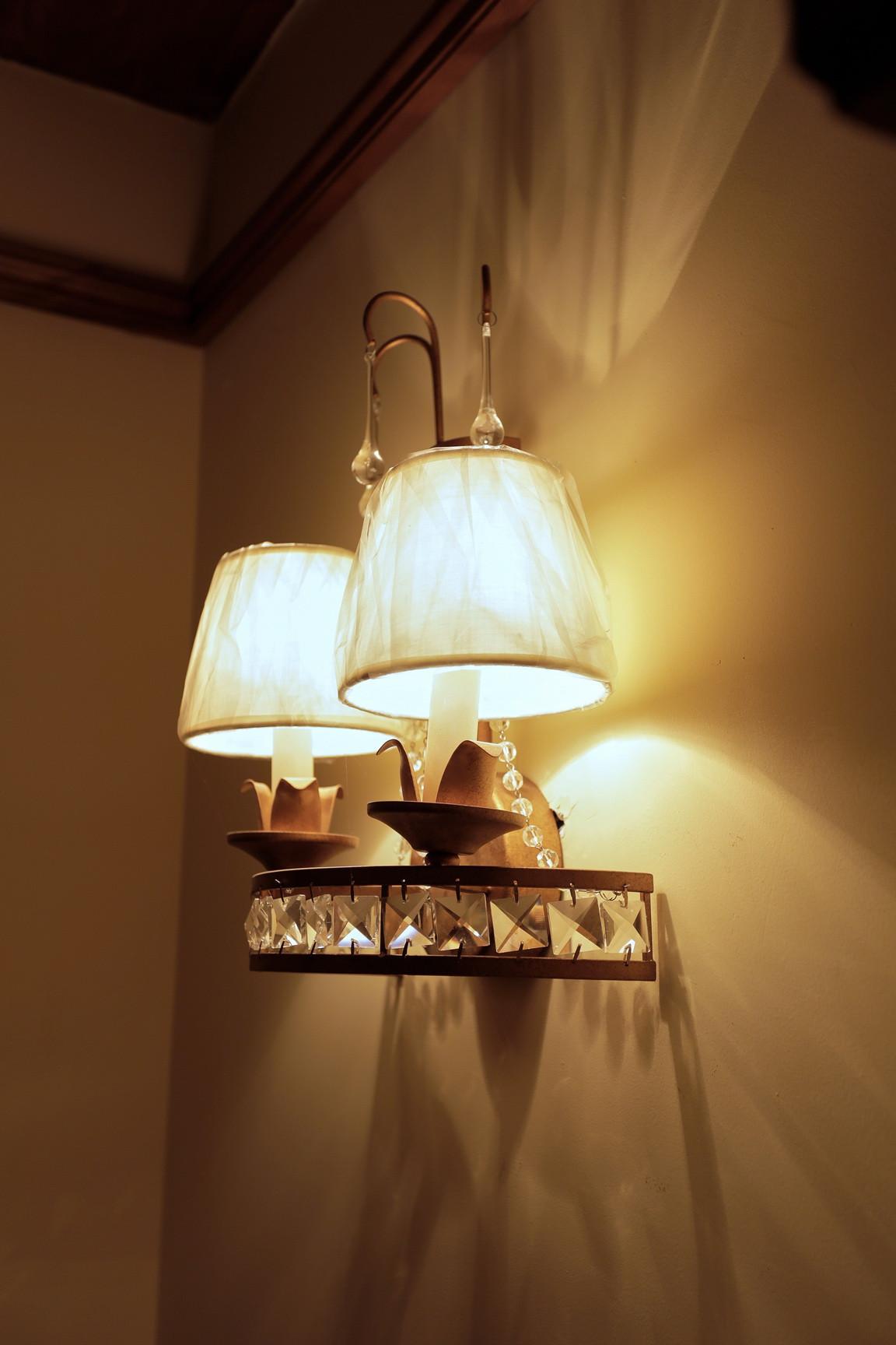 美式休闲三居之家灯具图片