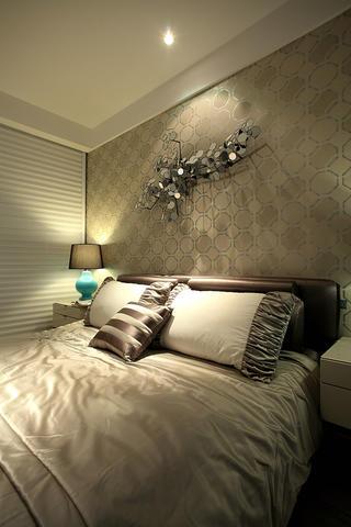 混搭风格三居室主卧设计图