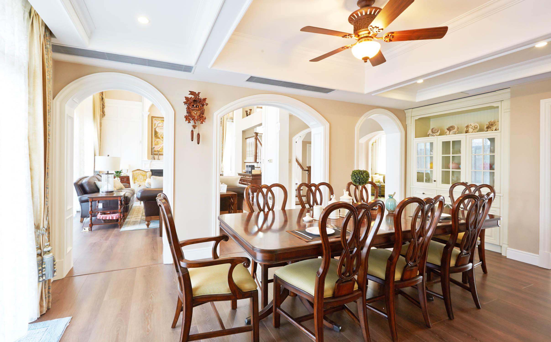 美式风格别墅餐厅布局图