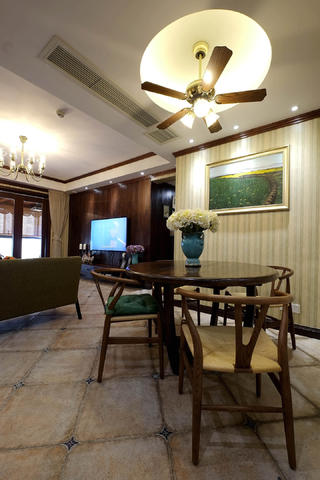 混搭风格四居室装修餐厅设计图