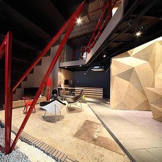 现代loft混搭办公设计图