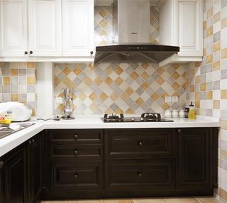 140平复古美式三居装修厨房搭配图