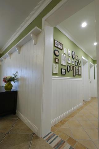 美式四居室之家照片墙布置
