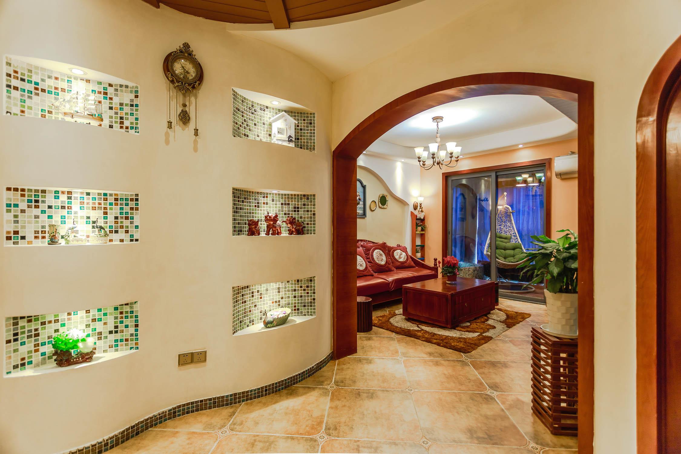 混搭风格三居之家弧形墙面设计