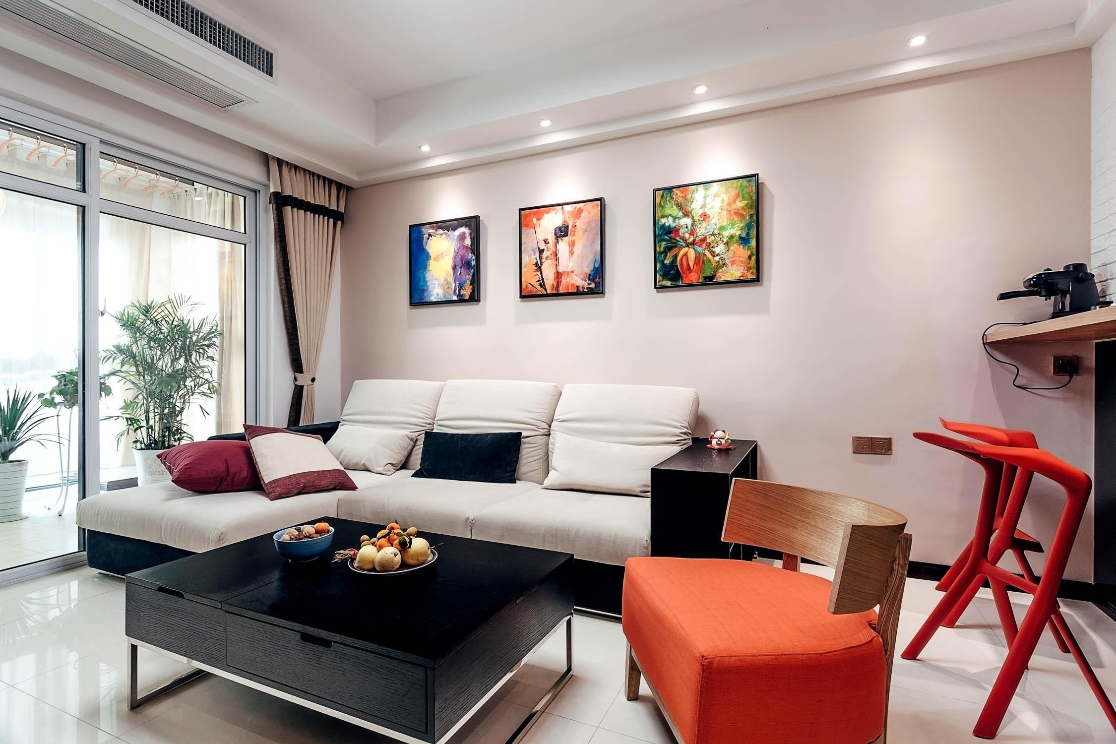95平现代简约装修沙发背景墙图片