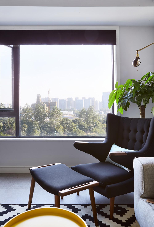 两居室北欧风格家休闲躺椅图片