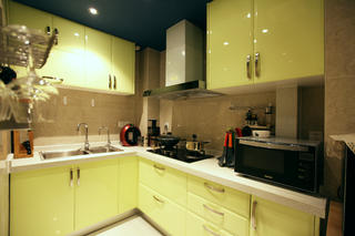 现代简约小户型厨房布局图
