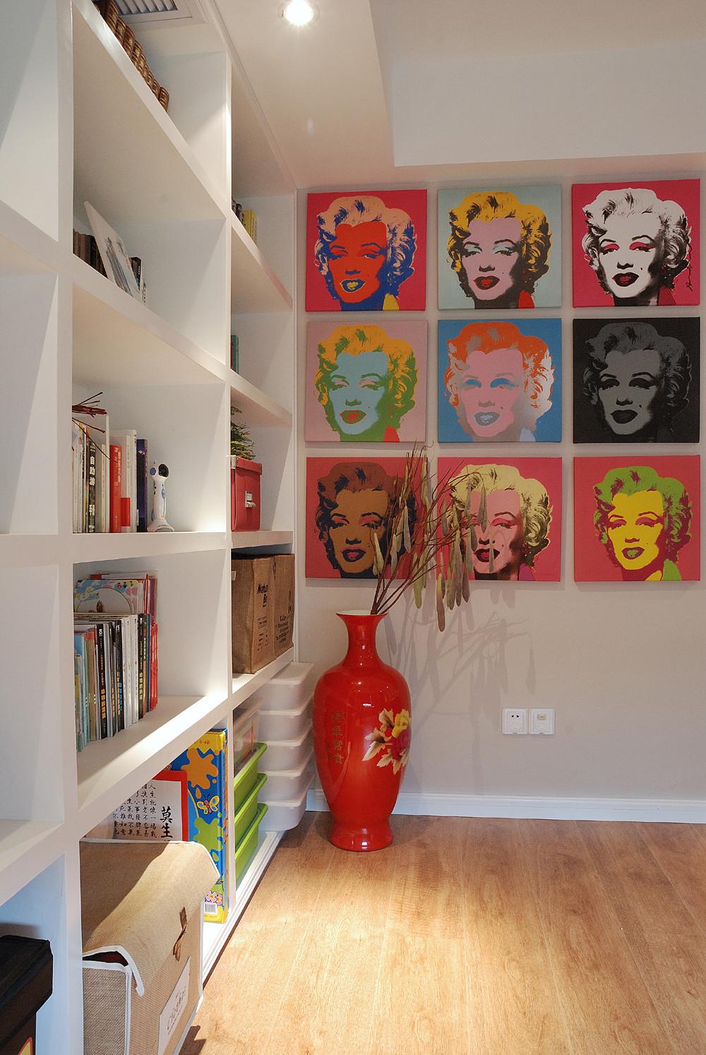 140平复式三居室装修书柜图片