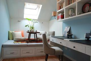 140平复式三居室装修书房设计图