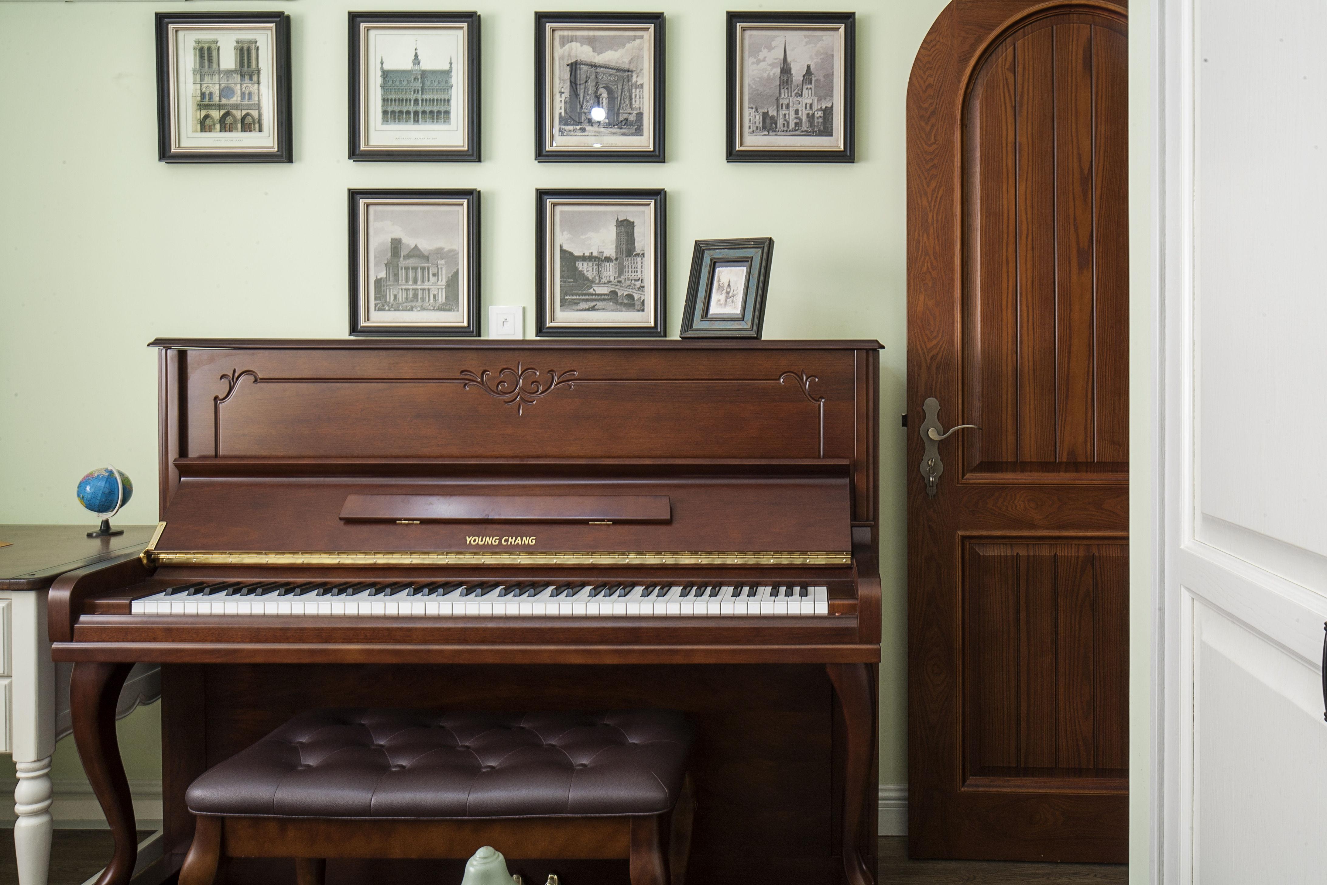 美式田园风格家钢琴布置