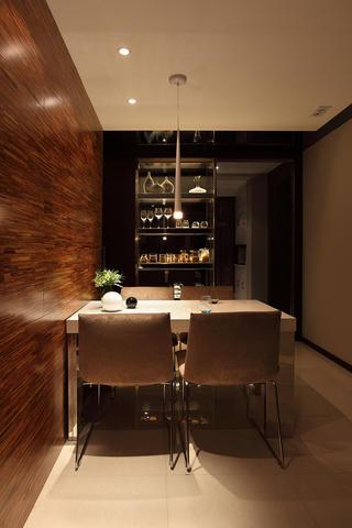 简约二居公寓装修餐桌椅图片