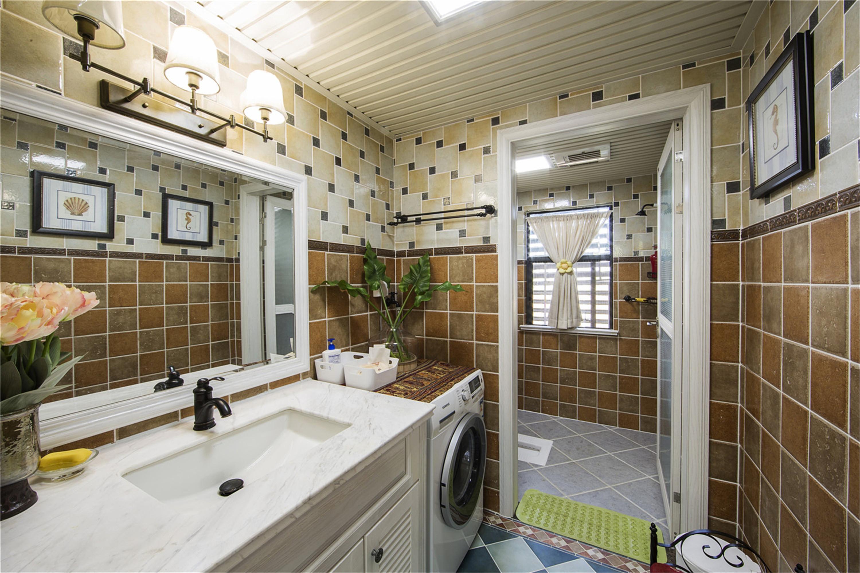 美式四居室装修卫生间实景图