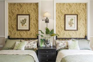 美式四居室装修卧室布置图