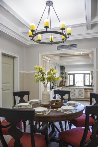 美式四居室装修吊灯设计