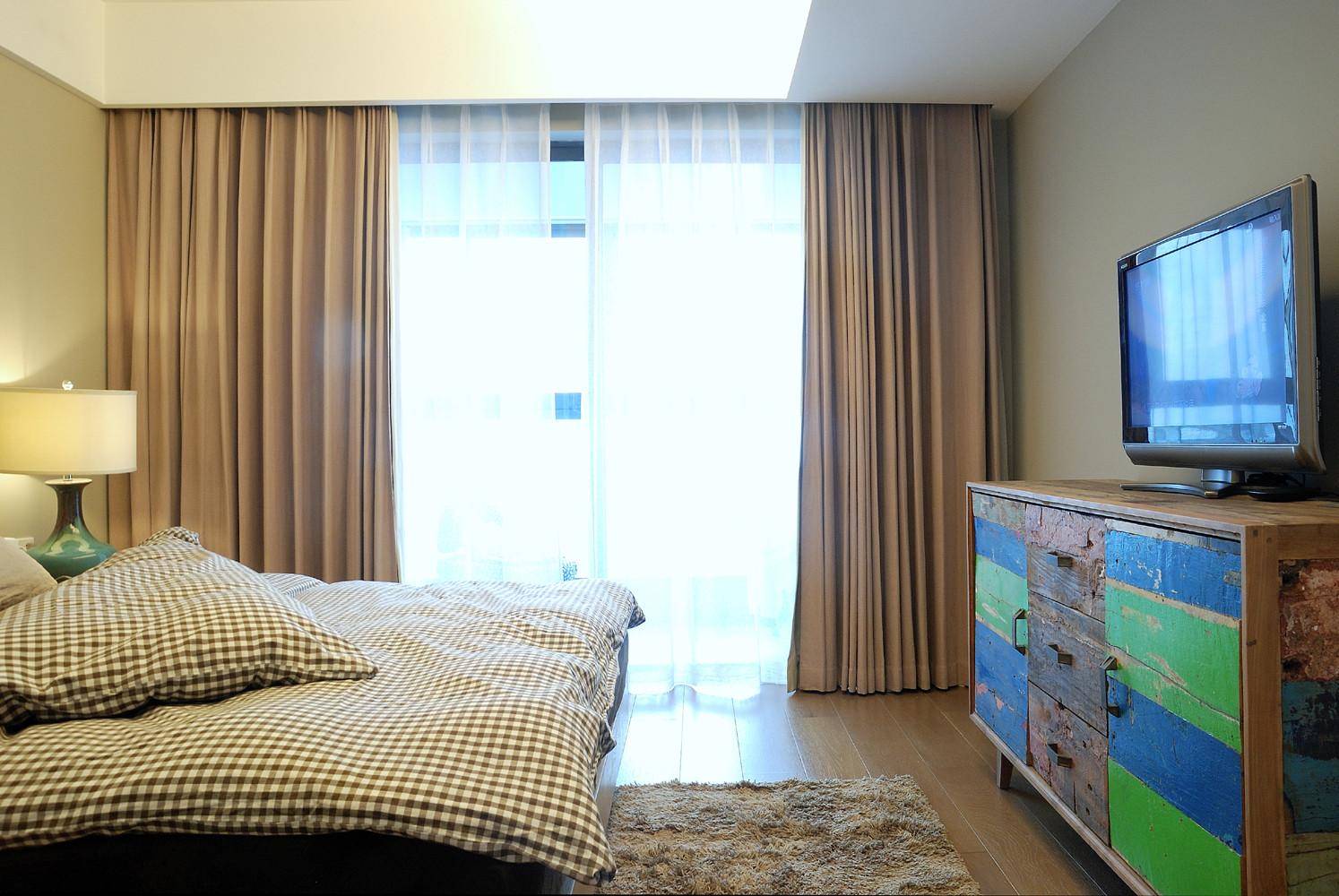 110平三居室装修电视柜设计