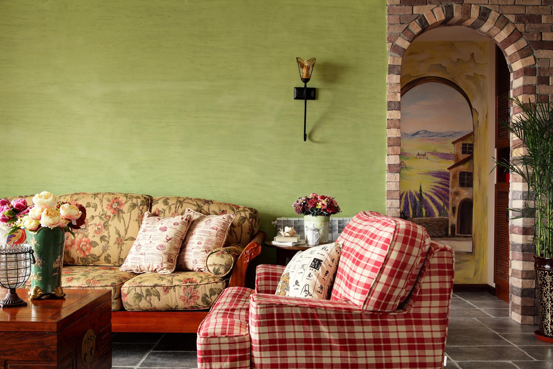 130平混搭风格装修沙发背景墙图片
