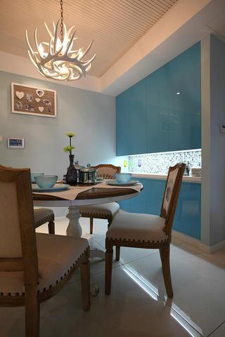 混搭风格三居室餐厅设计图