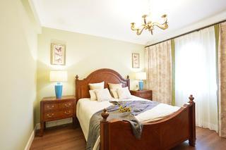 美式风格别墅卧室布置图