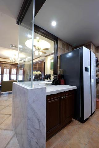 混搭风格四居室装修玻璃隔断设计