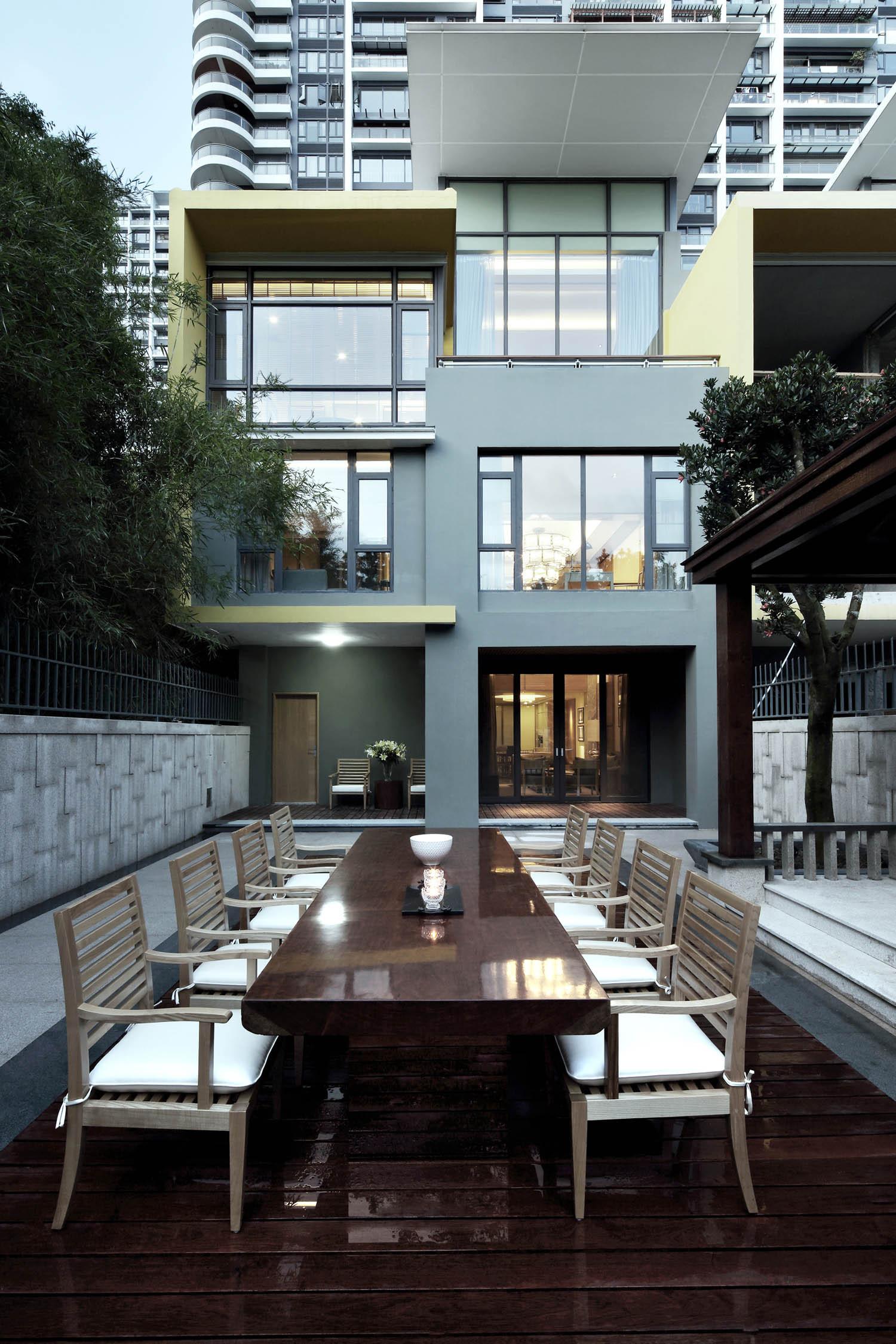 现代别墅装修庭院布置图