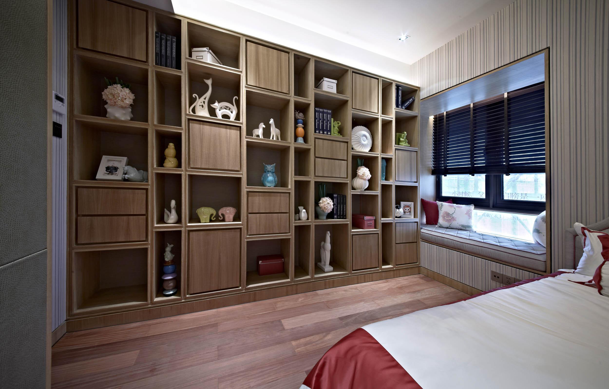 新中式四居装修收纳展示柜图片