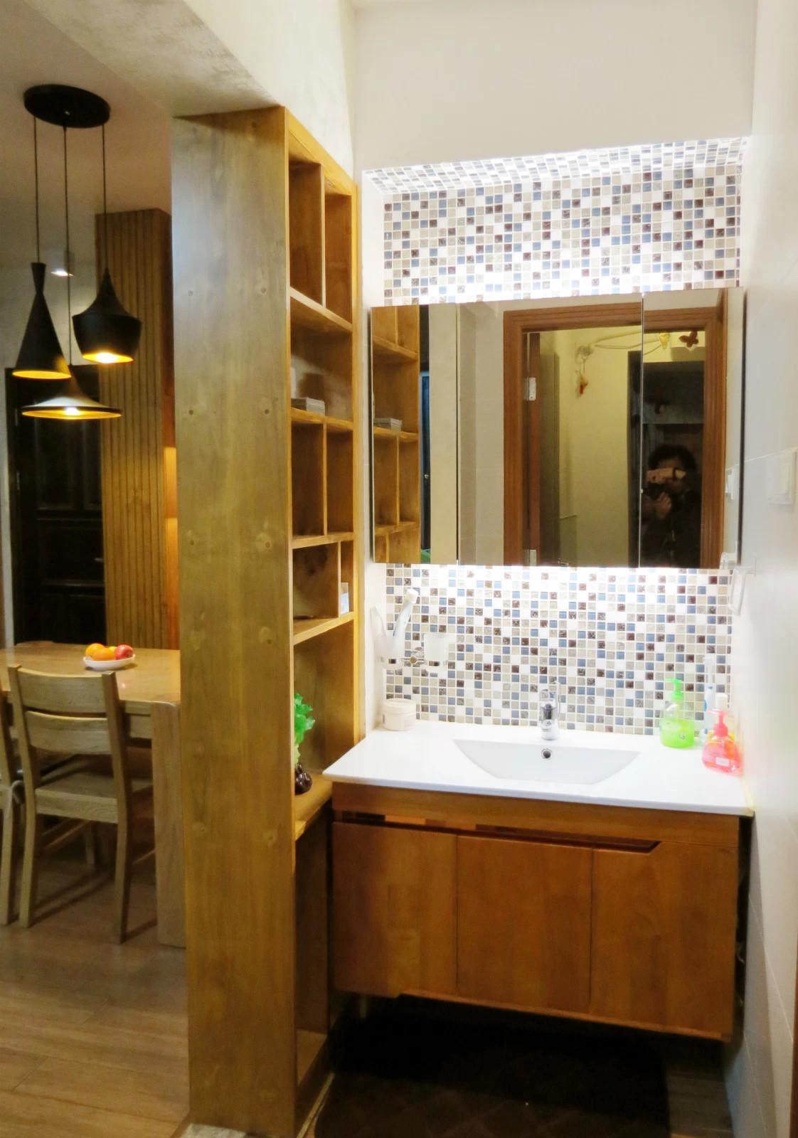 76平简约风格三居装修洗手台图片