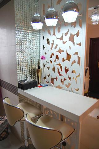 小户型现代简约二居装修吧台设计