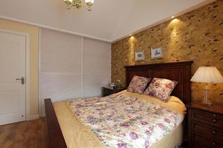 阁楼小美式之家卧室搭配图