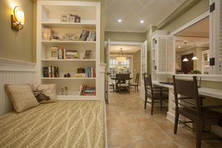美式乡村三居室装修书房设计