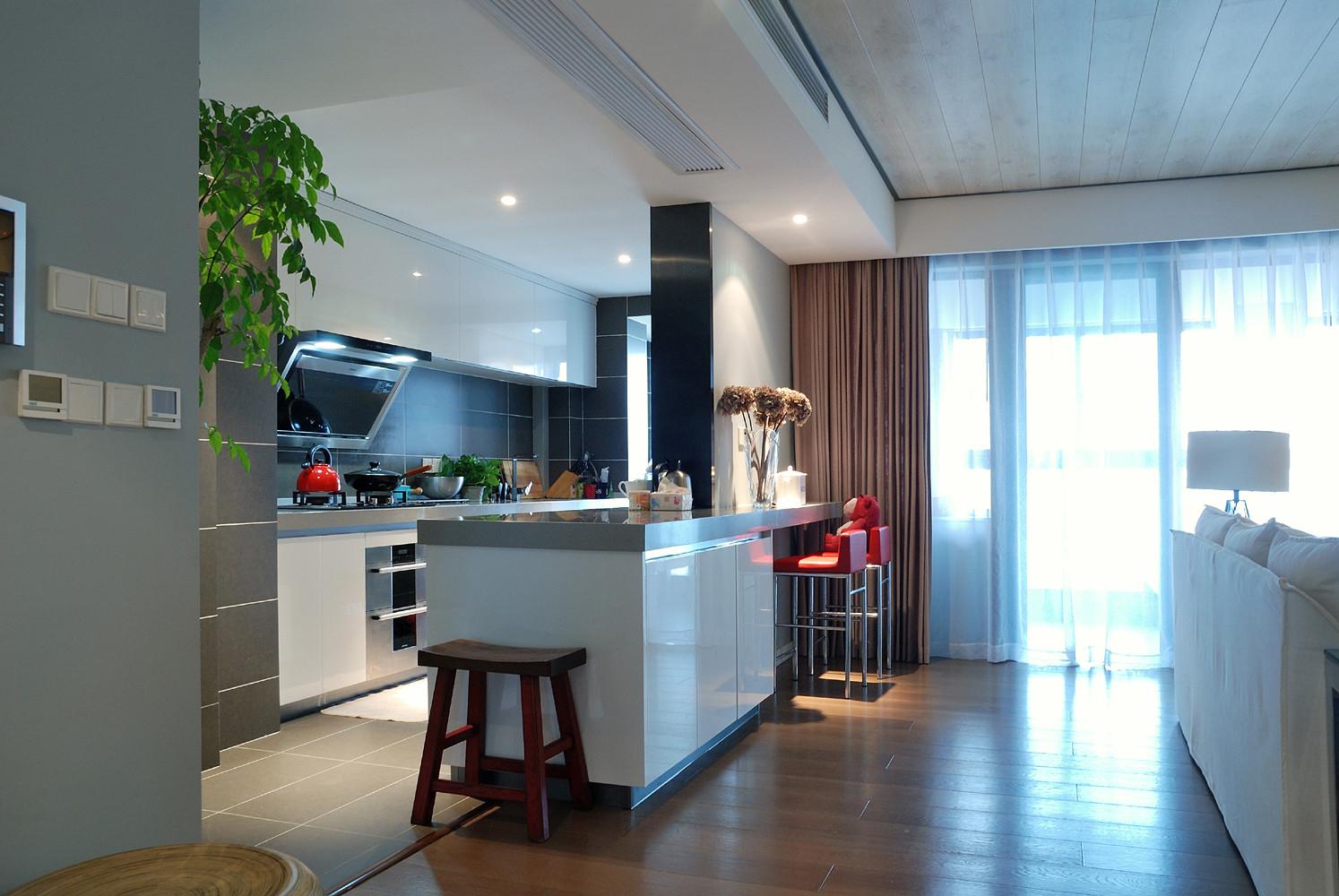 110平三居室装修厨房设计图