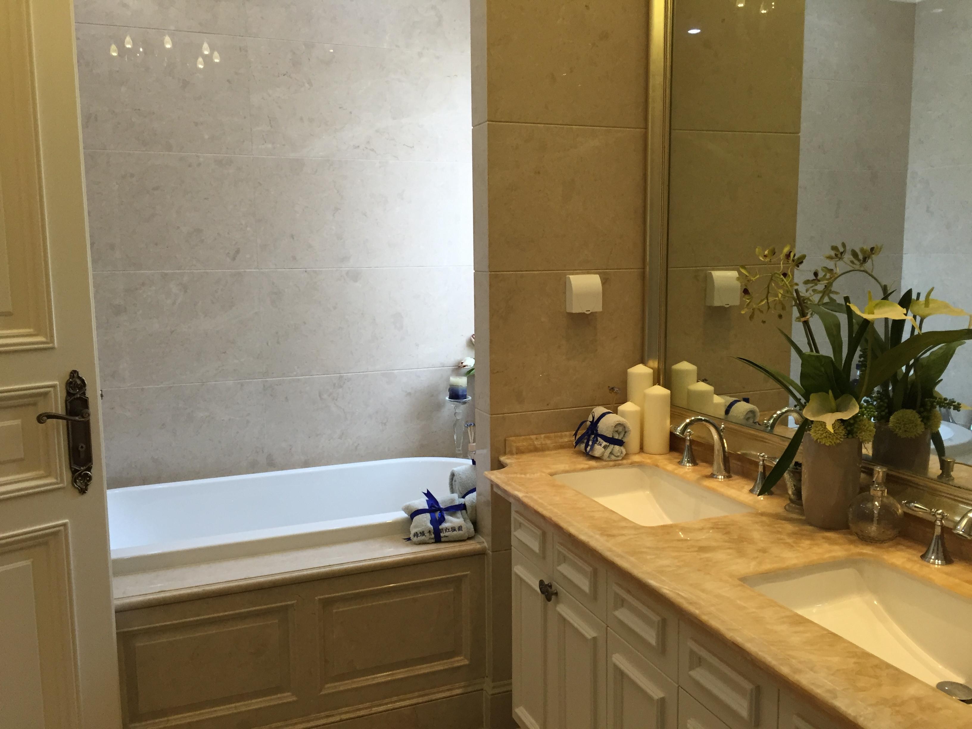 风情美式别墅设计卫生间装潢图