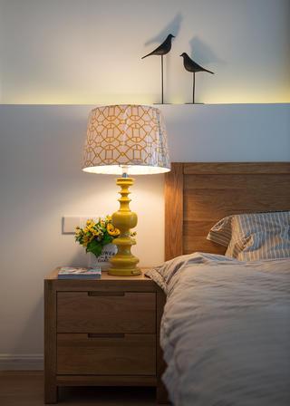 小户型北欧风之家床头柜图片