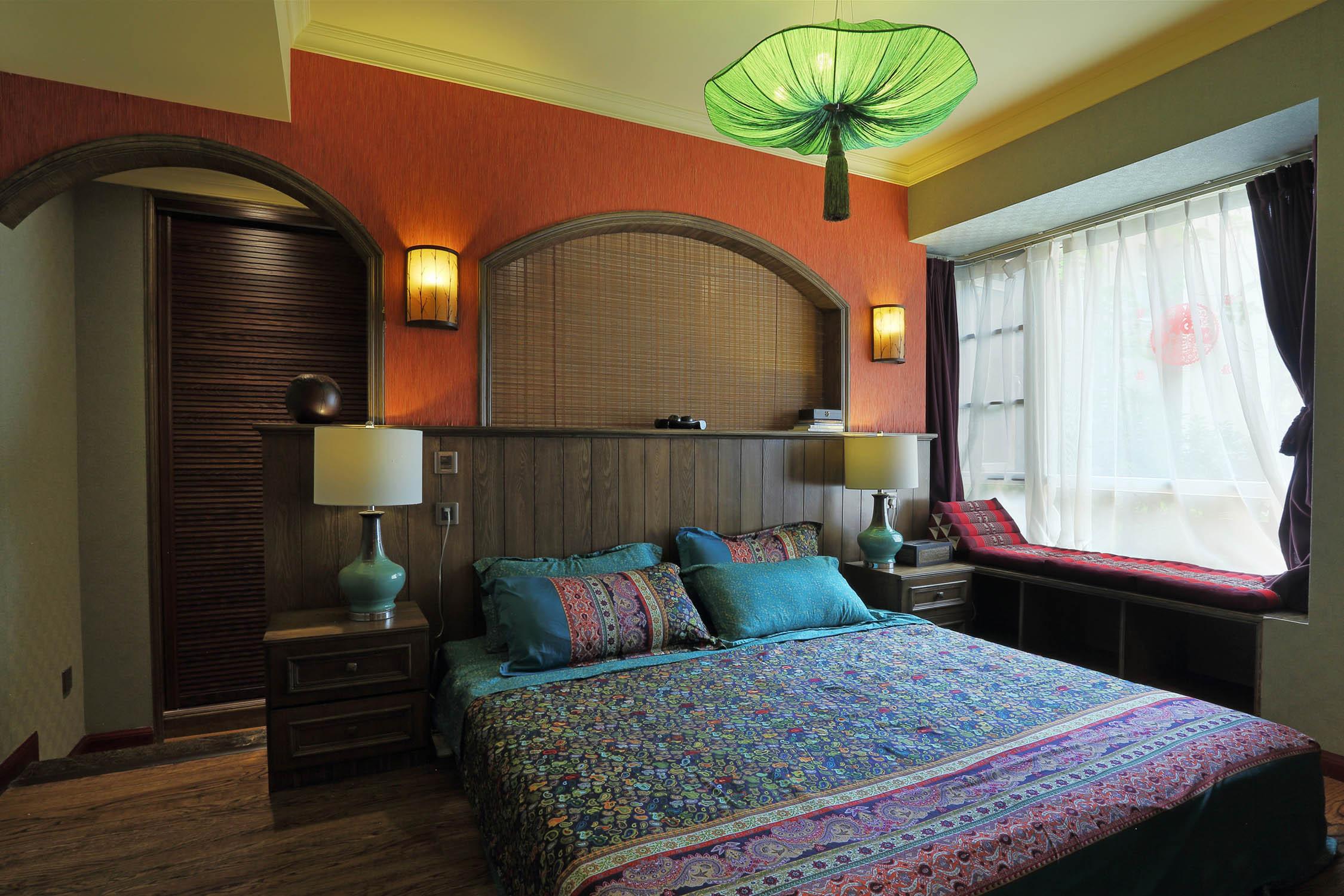 东南亚风格三居卧室设计图