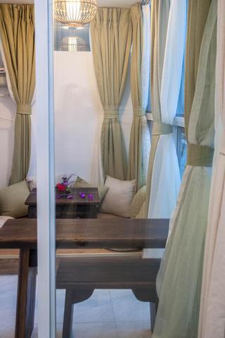 二居室法式风格家窗帘图片
