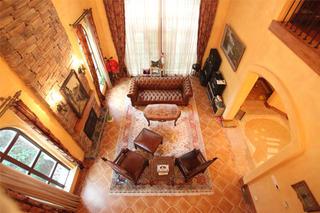 托斯卡纳风格别墅装修客厅俯视图