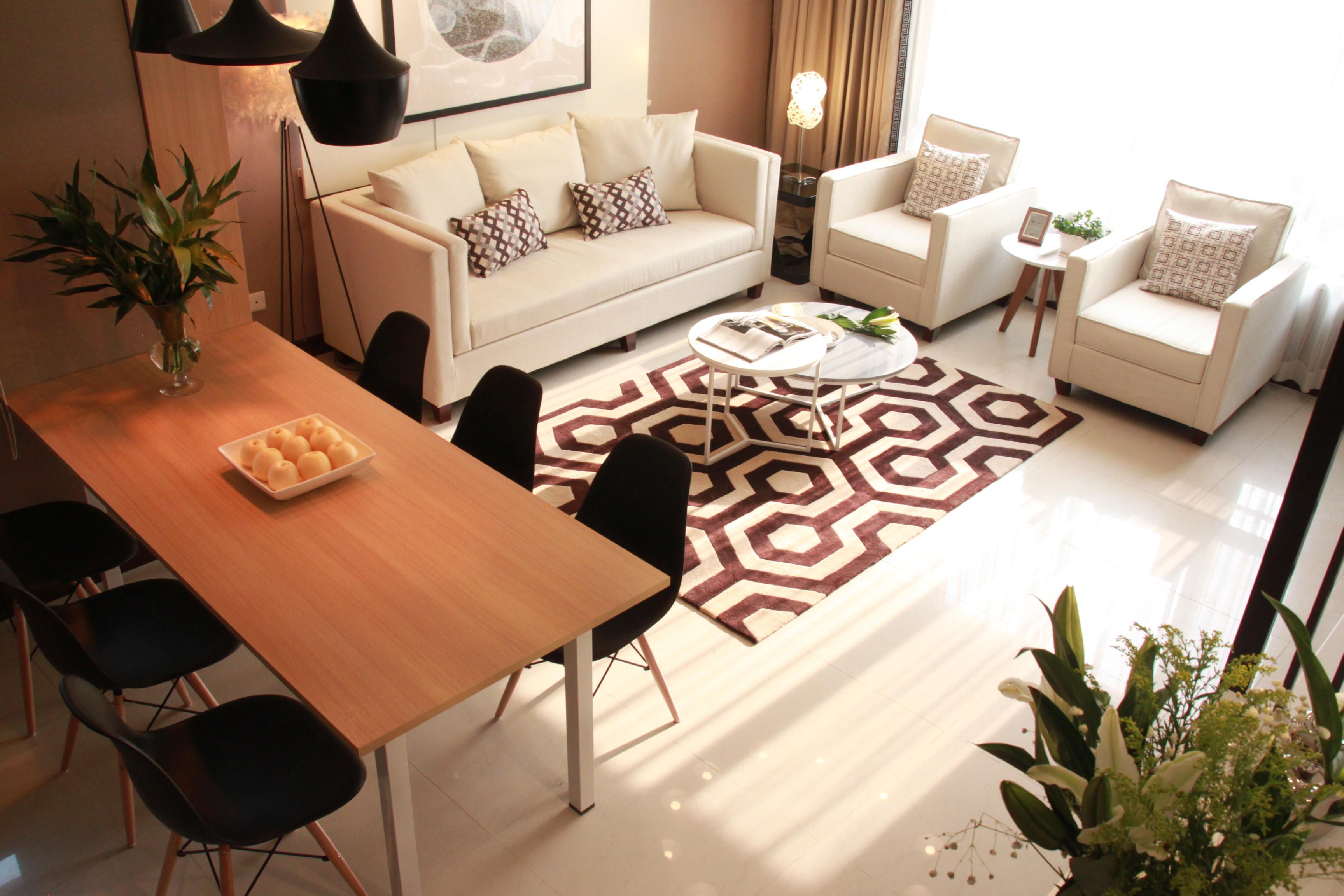 简约小户型一居室装修客餐厅布置图