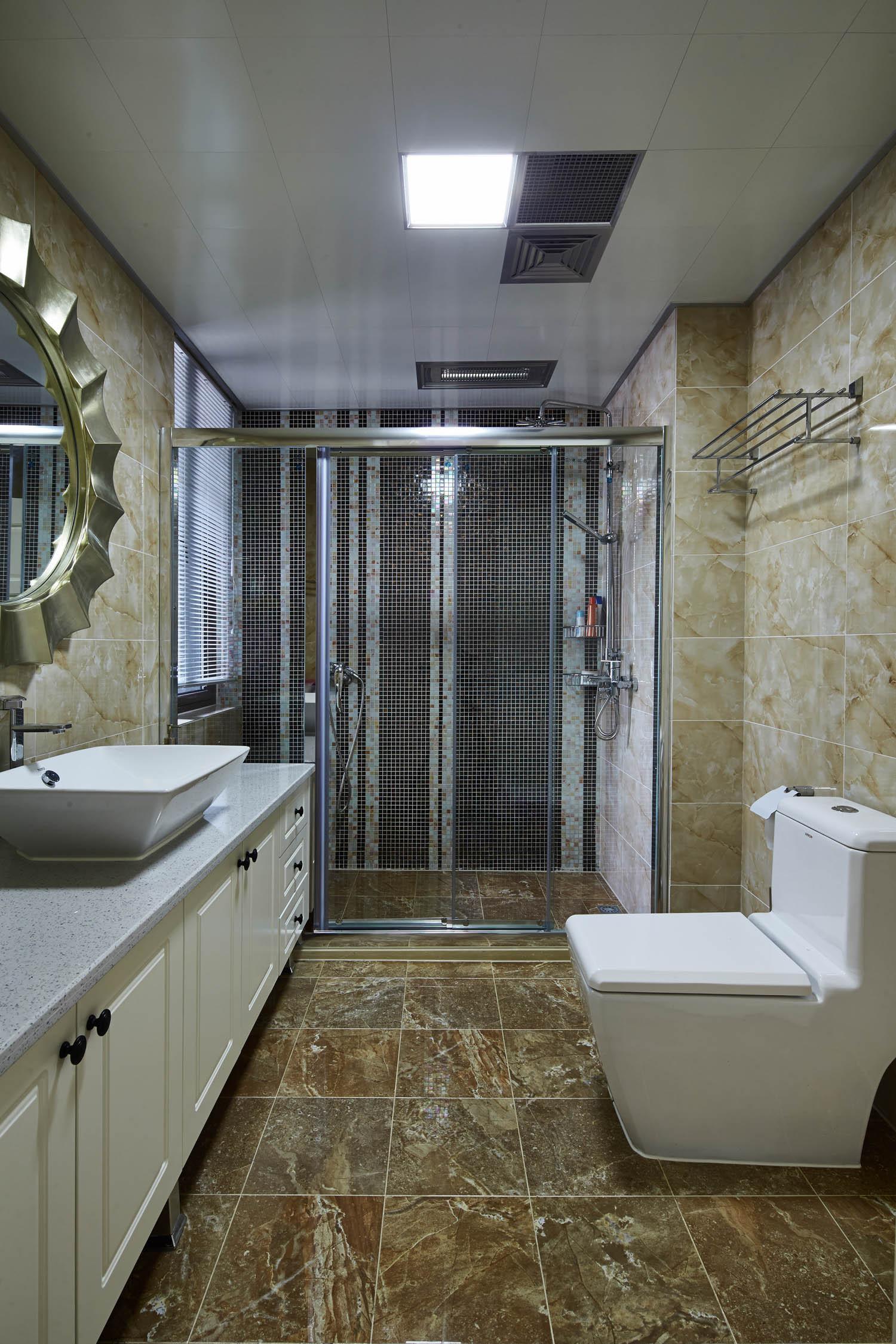 美式混搭装修卫生间装潢图