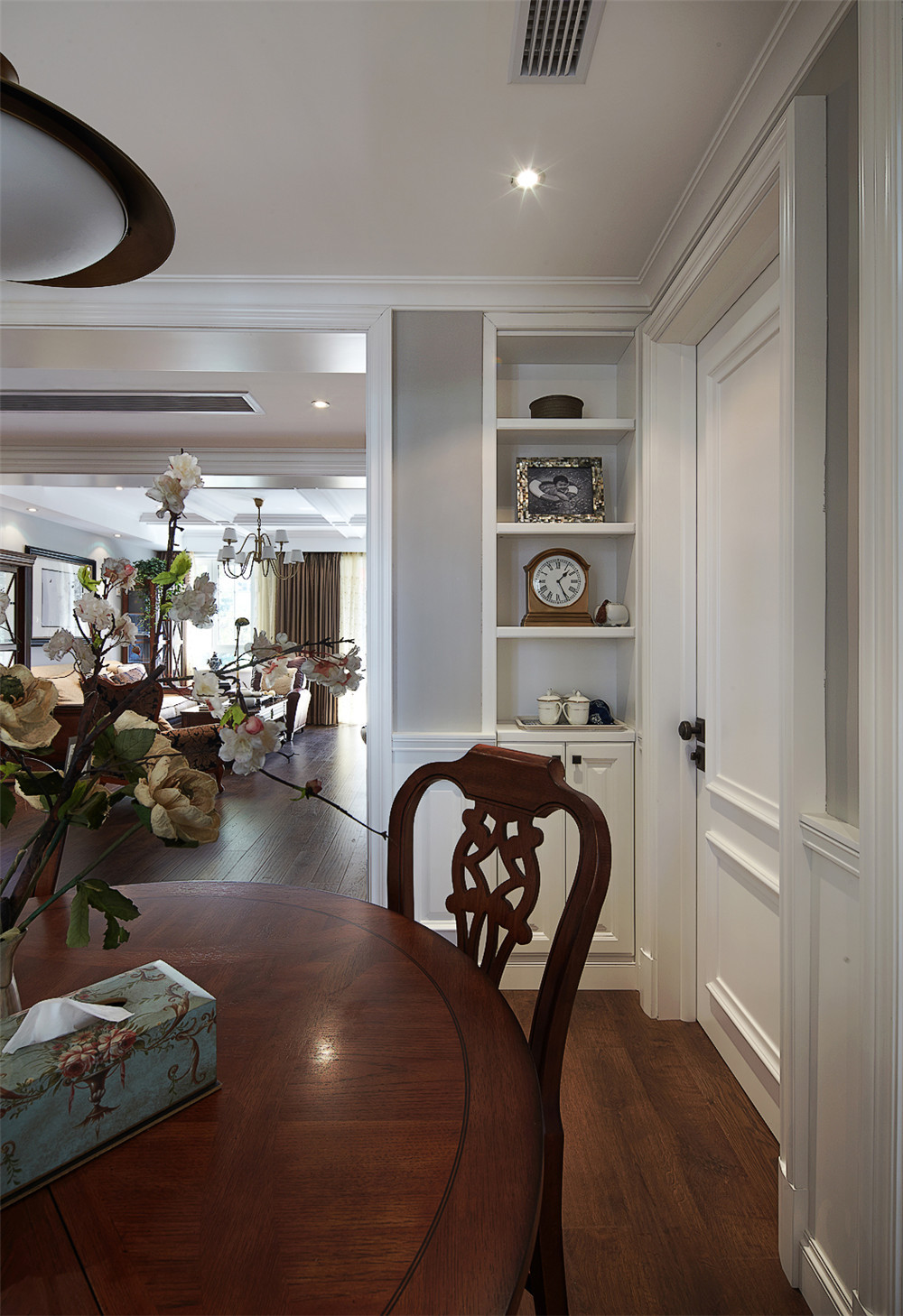 140平美式风格装修餐边柜设计