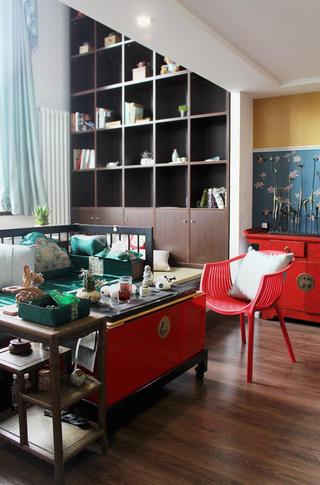 80平复式新中式装修客厅搭配图