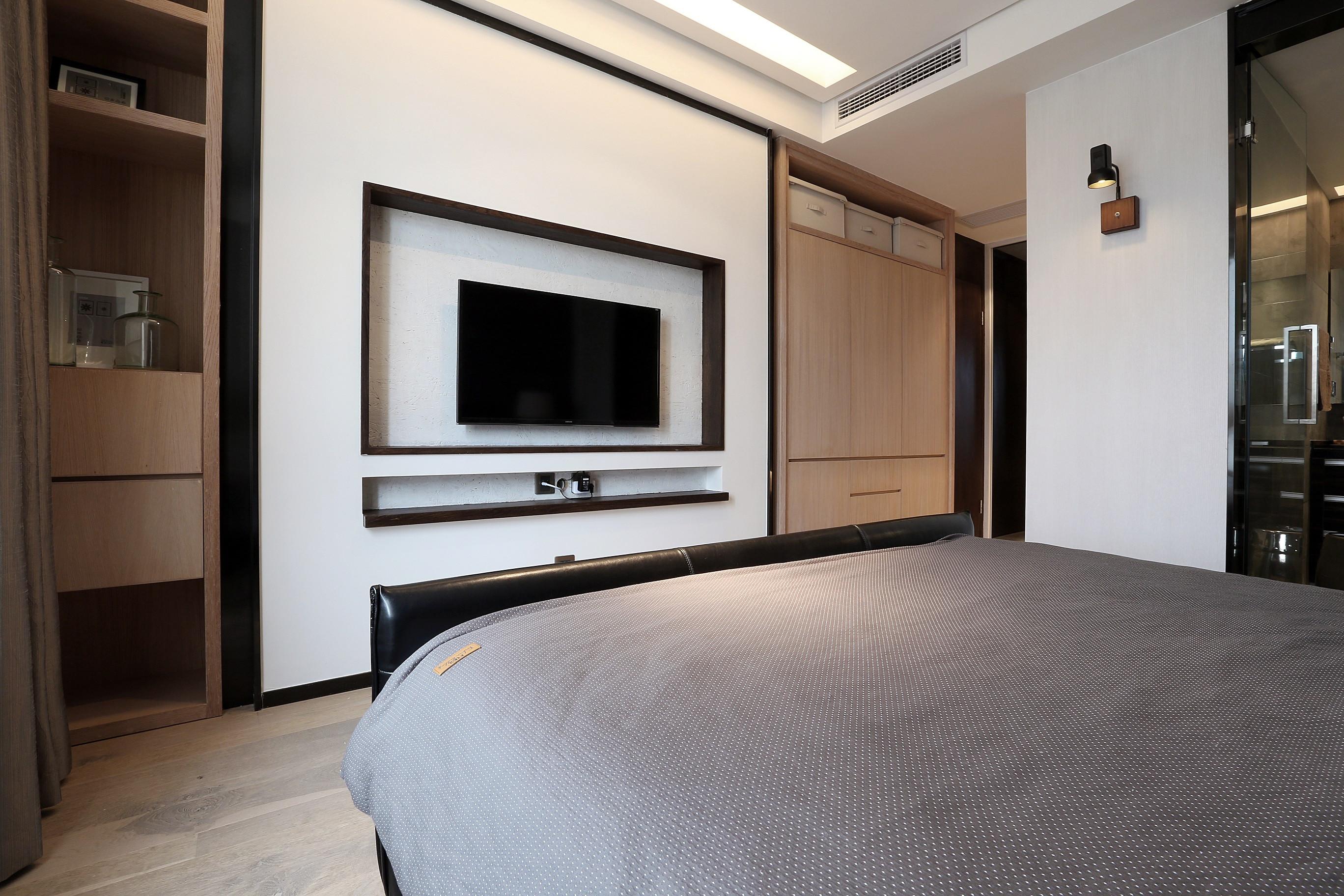140平简约风设计电视背景墙图片