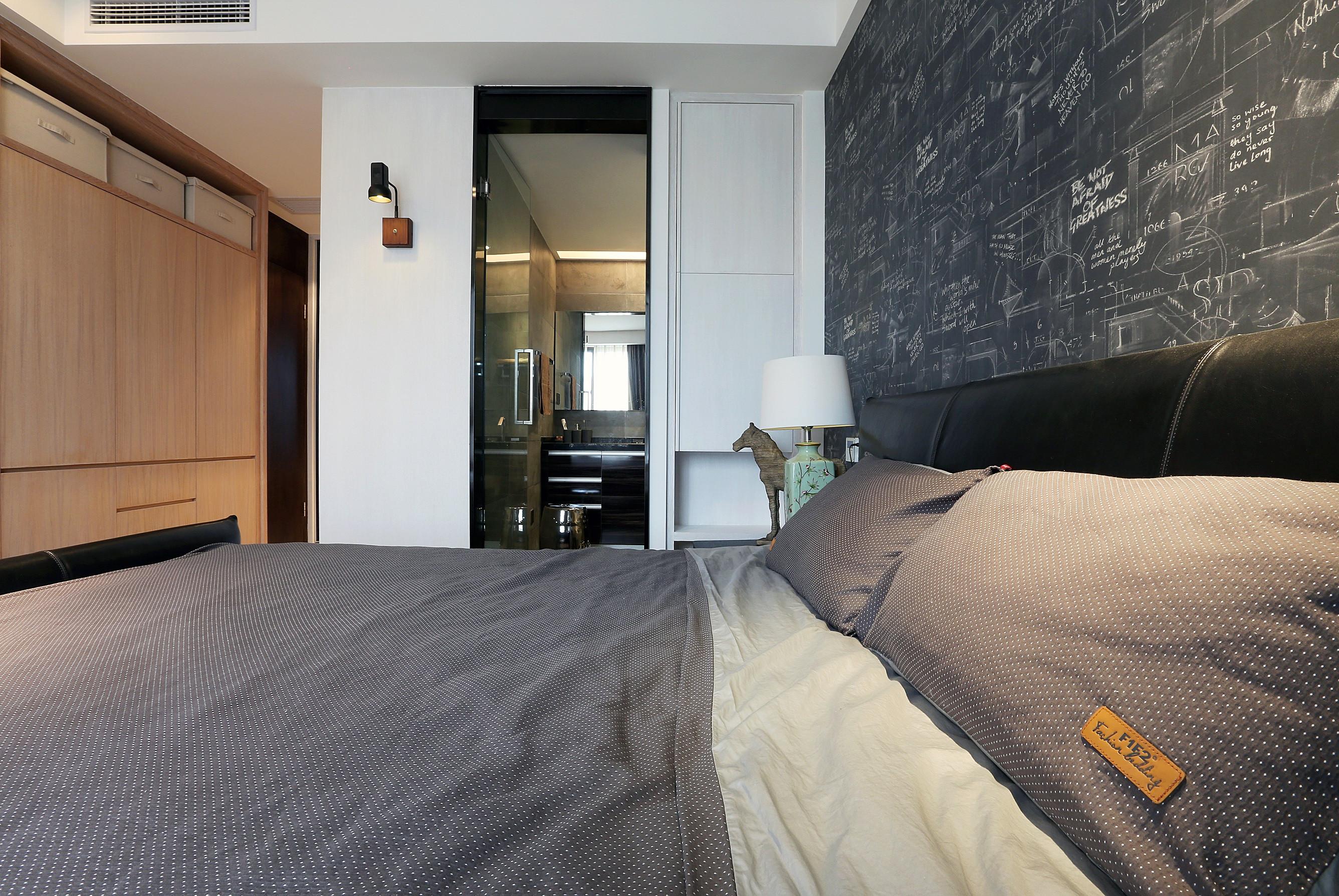 140平简约风设计床头背景墙图片