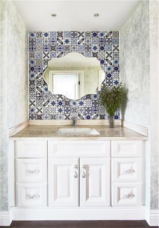 三居室法式风格家浴室柜图片