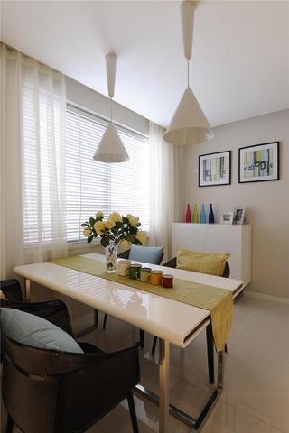 三居室现代简约家餐厅设计图