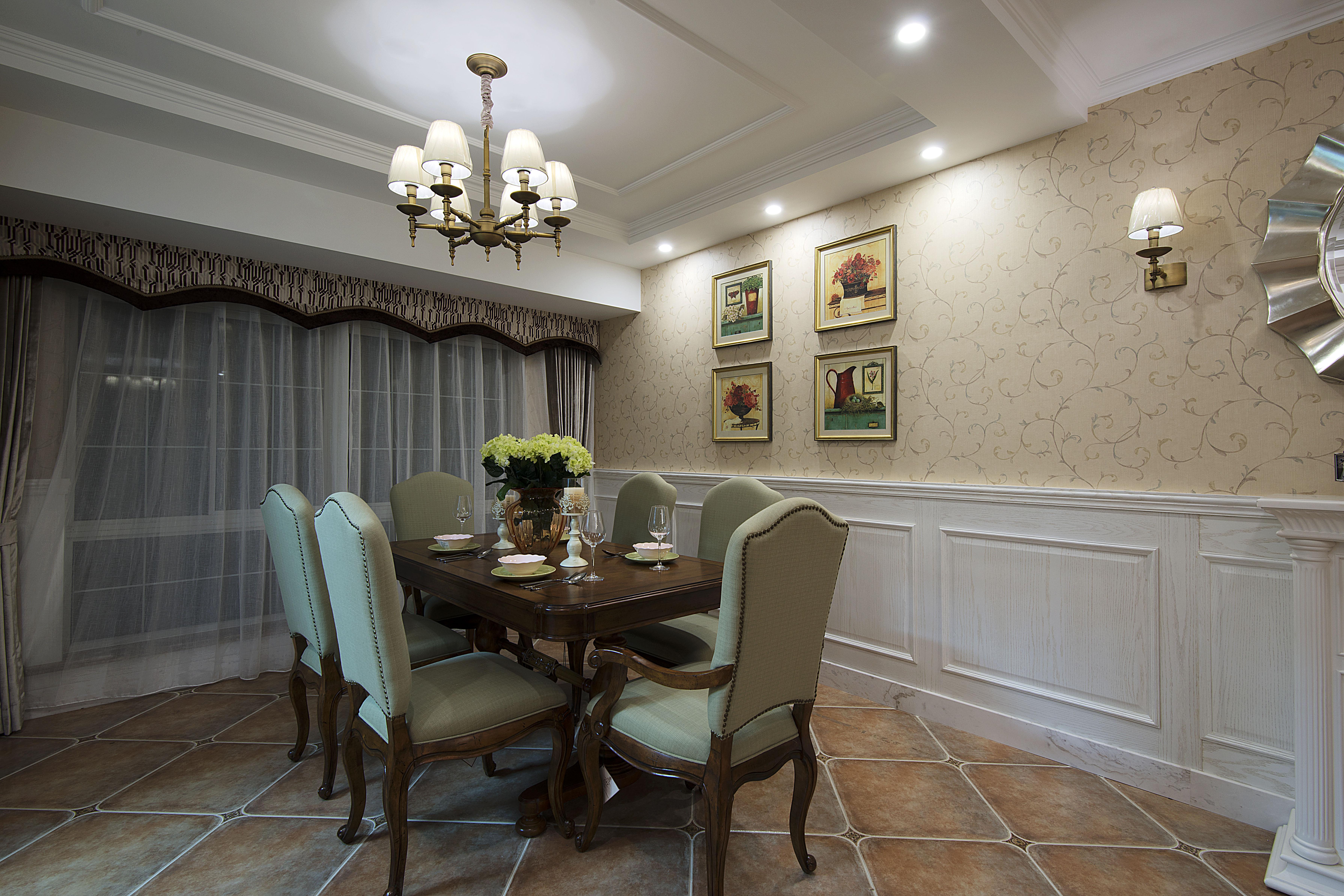 美式风格别墅设计餐厅布置图