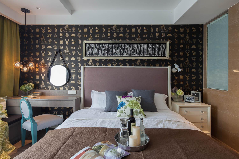 混搭三居室设计卧室背景墙图片