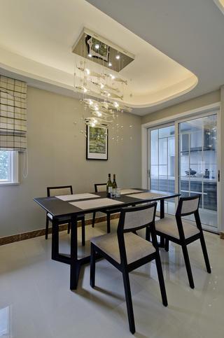 现代风格四居之家餐厅设计图
